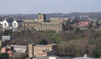800px-University_from_Bangor_Mountain
