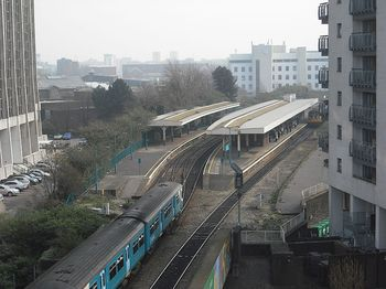 800px-Cardiff_Queen_Street_station_April_2009