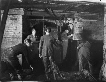 Bevin_Boy-_Mining_Training_at_Ollerton,_Nottinghamshire,_February_1945_D23736